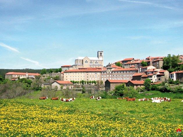 Pradelles village