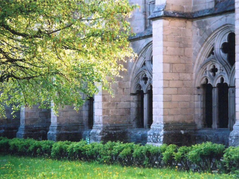 jardin du cloître de La Chaise-Dieu