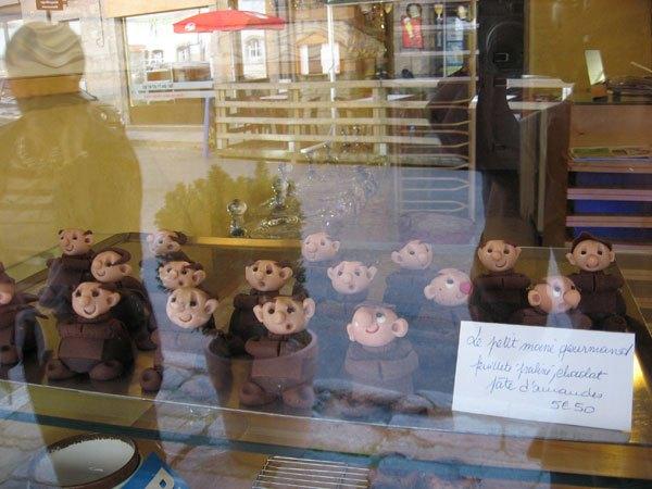 moines en pâte d'amande