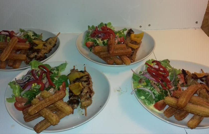 assiette viande brochette