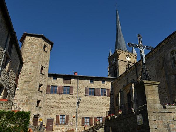 pcu_villagemedieval_saintpaldechalencon_Jc-Parayre