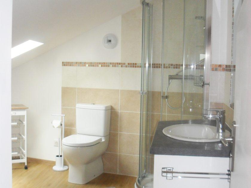 toilettes-espace salle de bain chambre mansardée