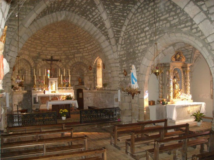 Chœur, nef et chapelle de la Vierge