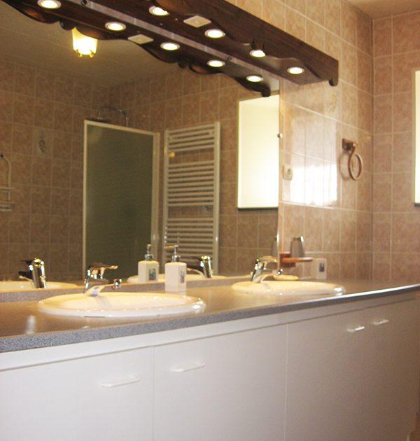 HEB_ Moulin de Pissoux_ salle de bain 2