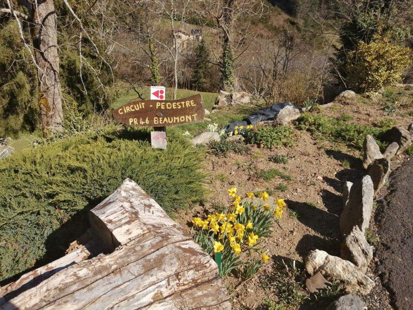 PR 046 – Beaumont_départ de randonnée village