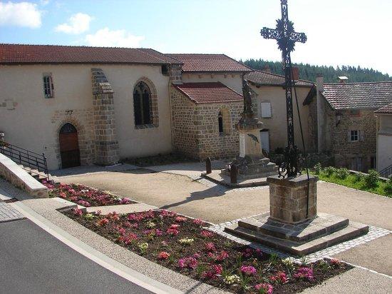 EQUI_PR 614 – La Roche Martine_place de l'église