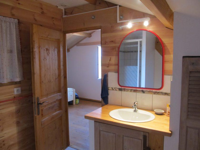 HEB_Chambre d'hôte AuBouton d'or_évier salle de bains