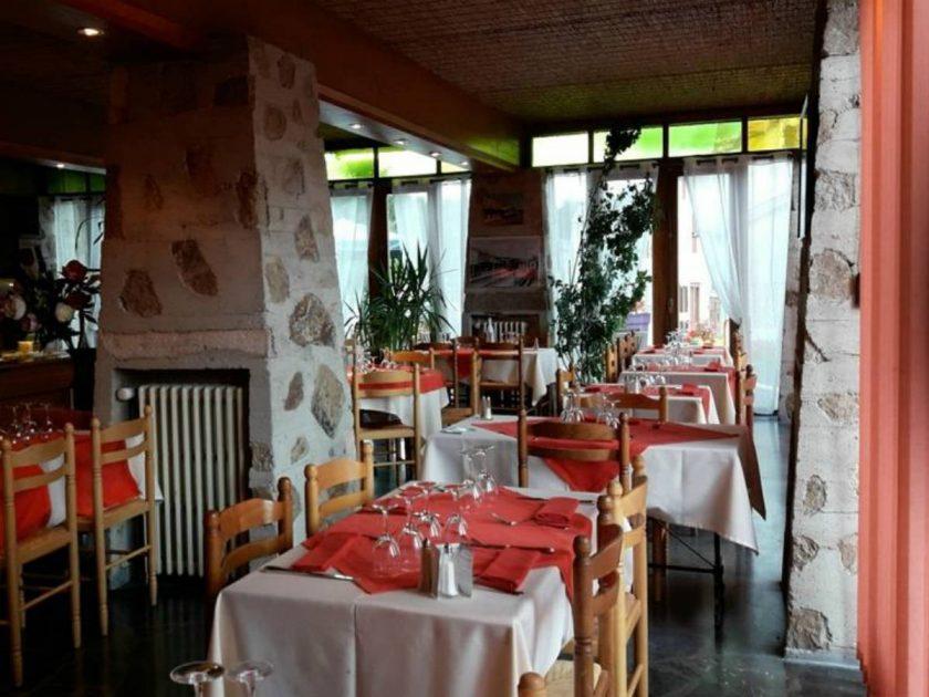 RES_Restaurant Le Chalet_salle de restaurant