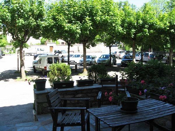 """HLO_Chambre d'hôtes """"La Maison de L'Abbé_terrasse restaurant"""