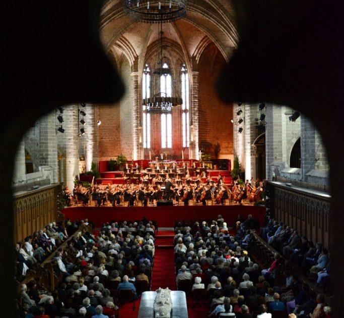 EVE_Festival de musique classique de La Chaise-Dieu_ choeur de l'abbatiale et concert