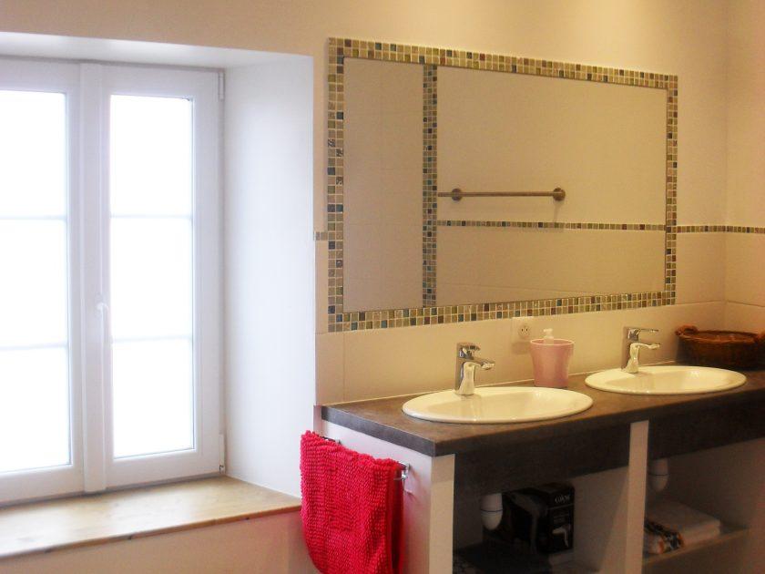 HLO_Gîte La Coccinelle_salle de bains-lavabo