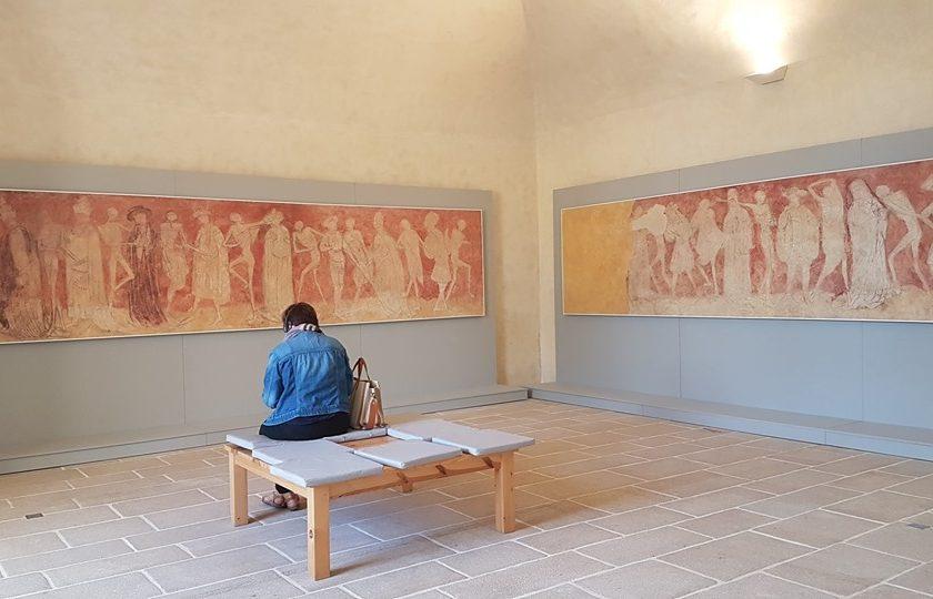 EVE_Parcours muséographique de l'abbaye de La Chaise-Dieu_salle gaussin fac-similé de la Danse Macabre