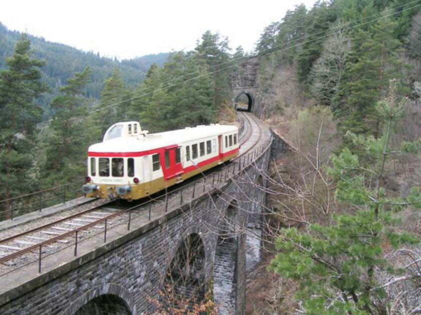 EQUI_Train touristique AGRIVAP_ ligne de train avec viaduc